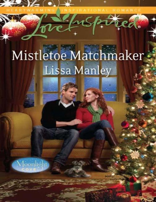 Mistletoe Matchmaker (Mills & Boon Love Inspired) (Moonlight Cove, Book 2)